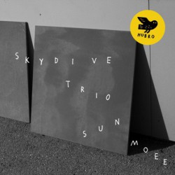 Skydive Trio: Sun Moee