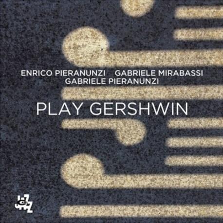 Plays Gershwin