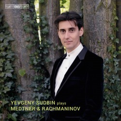 Plays Medtner and Rachmaninov